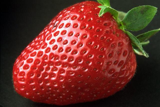 strawberry-82529_640